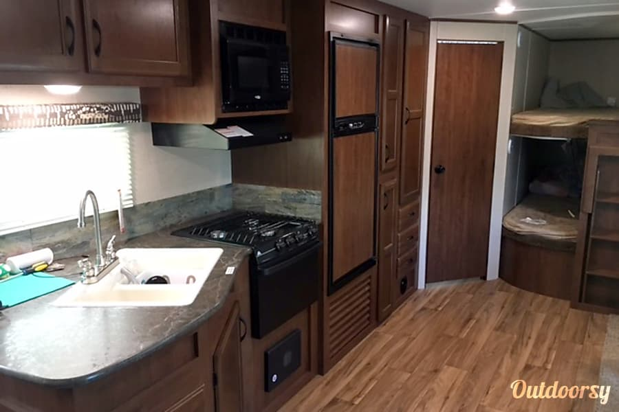 interior 2016 Jayco Jay Flight, Everything Included w/rental! Jourdanton, TX
