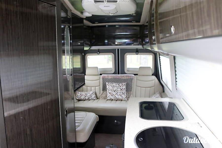 interior 2011 Airstream Interstate Summerfield, FL