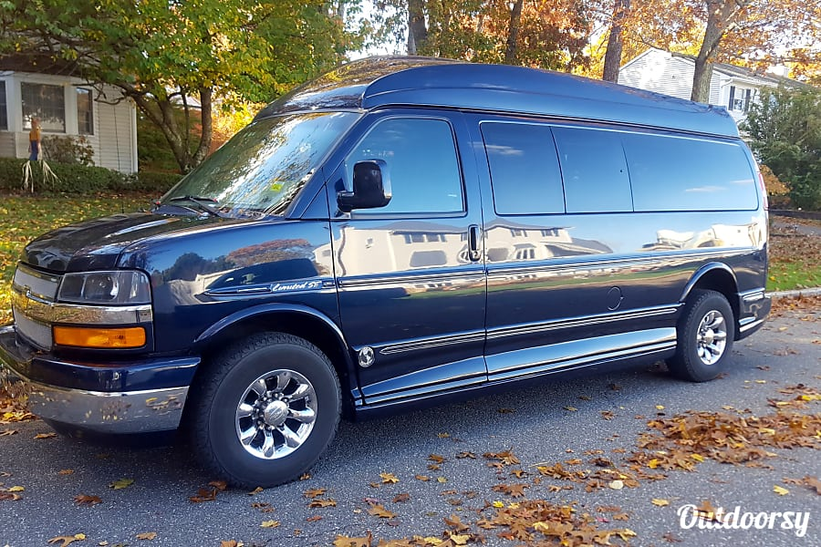 exterior Custom Luxury Conversion Van - Are perfect for family trips, hauling the kids, a weekend getaway! Nassau County, NY