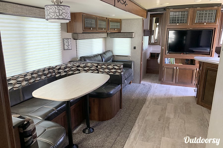 interior 2019 32 ft. Heartland Mallard M32 Kissimmee, FL