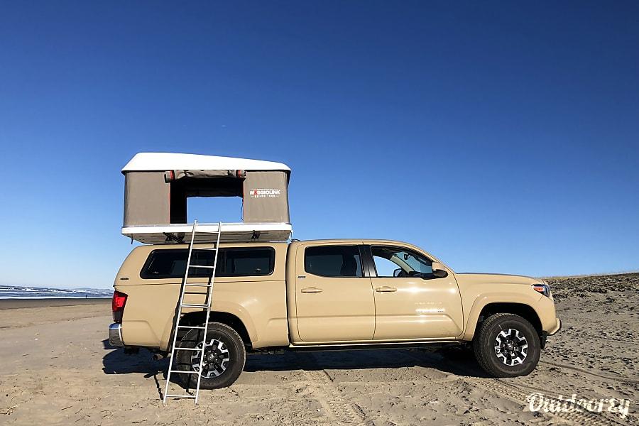 2018 Toyota Tacoma Motor Home Camper Van Rental In