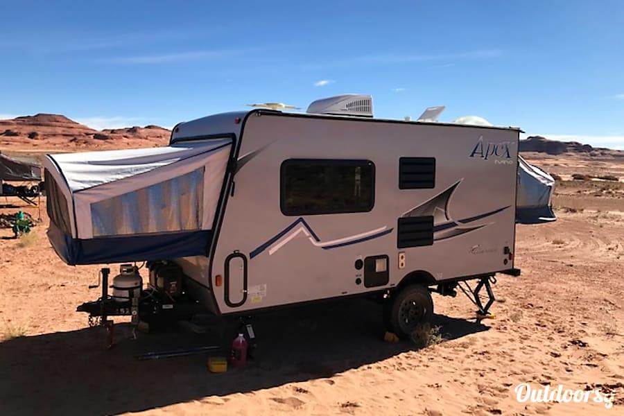 exterior 2018 Coachmen Apex 15X Aspen, CO
