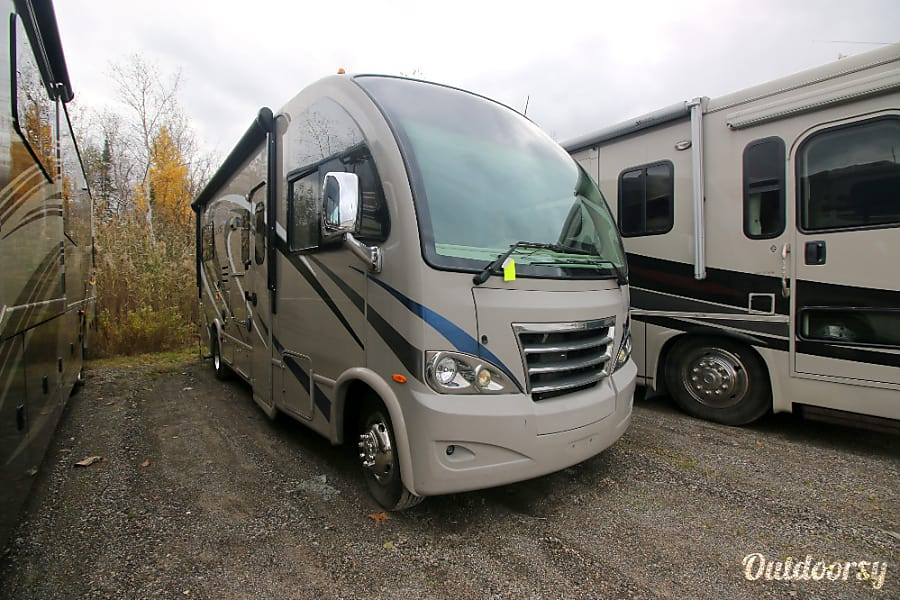 exterior 2015 Thor Motor Coach Axis Palos Hills, IL