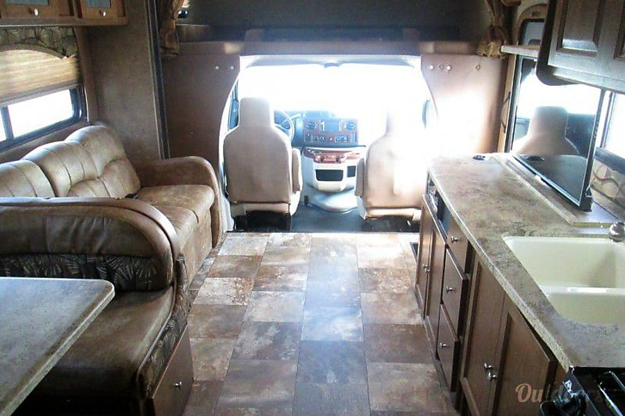 interior 2016 Coachmen Leprechaun Fairfax, VA
