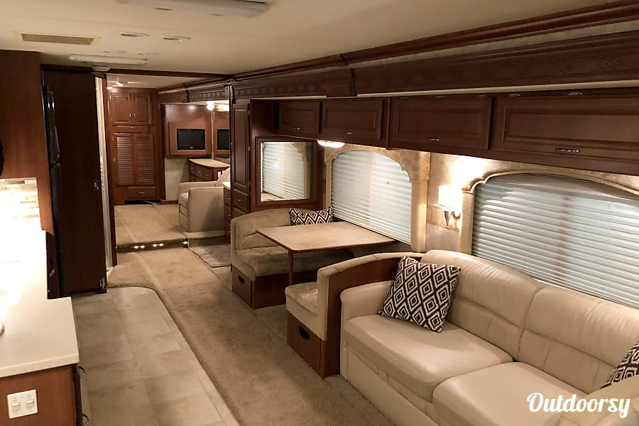 Diesel Pusher AIR RIDE - CAREREE COACH RENTAL - We handle it all! - Stored Indoors! West Chester, PA