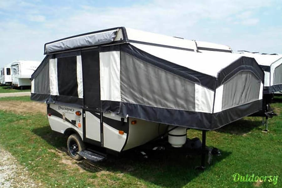 exterior 2017 Palomino Real-Lite Popup Camper Trailer Mississauga, ON