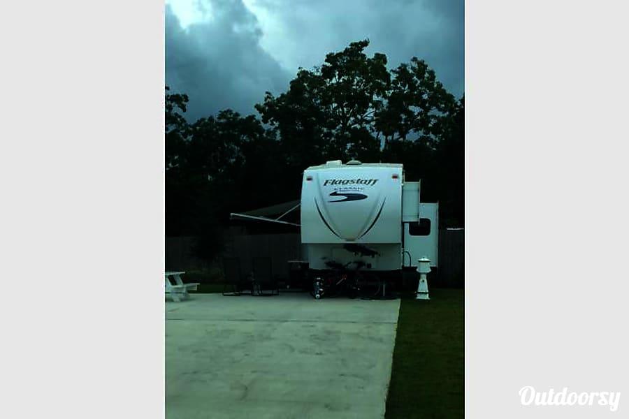 exterior 2014 Flagstaff Classic Super Lite 8528BHWS Youngsville, LA
