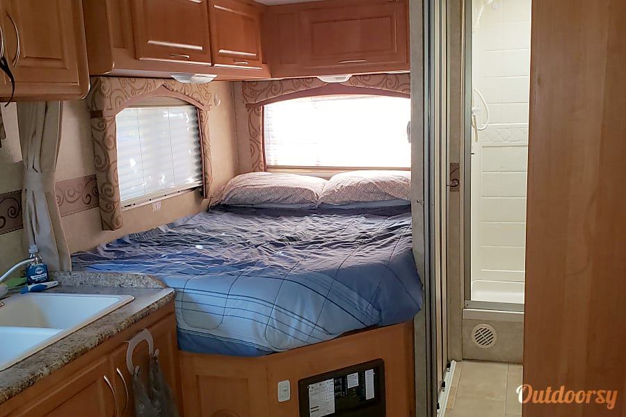 2011 Thor Motor Coach Chateau Vallejo, CA
