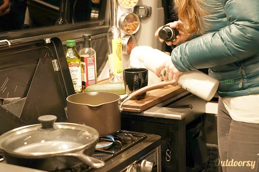 Hustle: 4x4 Mercedes-Benz Sprinter Portland, OR