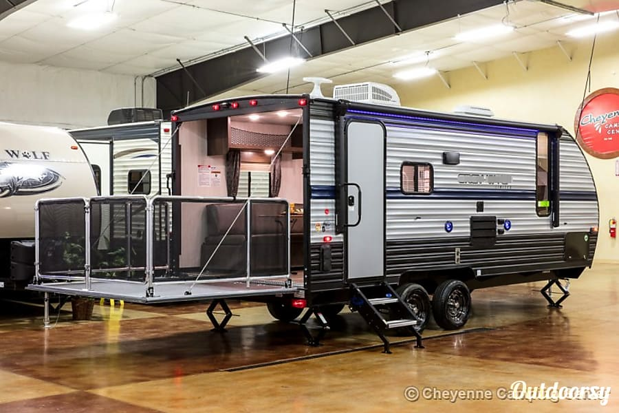 exterior Camping Package - Travel Trailer with Golf or Fishing -Arizona Parker, AZ
