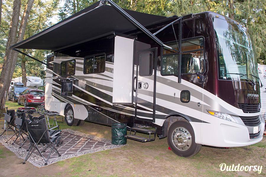 exterior 2018 Tiffin Motorhomes Allegro Open Road Everson, WA