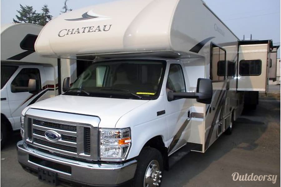 2019 Thor Motor Coach Chateau Motor Home Class C Rental In