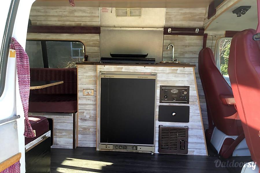 interior 1994 Dodge B Van Delta, BC