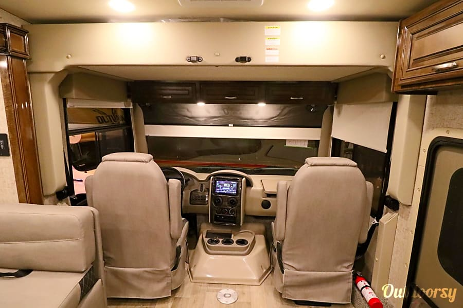 Drive to the Paradise in 2020 Thor Motorhome that has a Garage & floating Patio! Dacono, CO