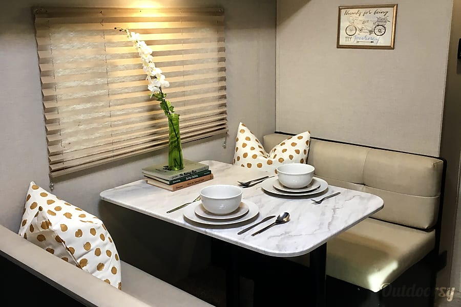 """interior """"Dolly"""" - Ultra Light - Extras Included - 2018 Venture Sonic 190VRB Ferndale, WA"""