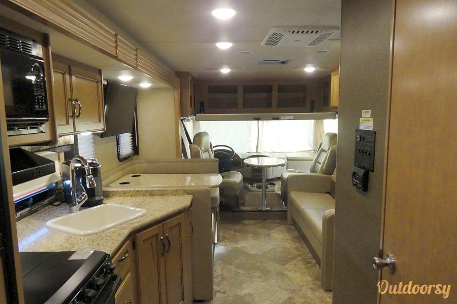 interior 2016 Thor Motor Coach A.C.E Orland Park, IL