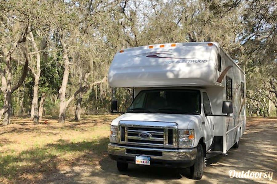 exterior 2018 Fleetwood Surge 29V Clermont, FL