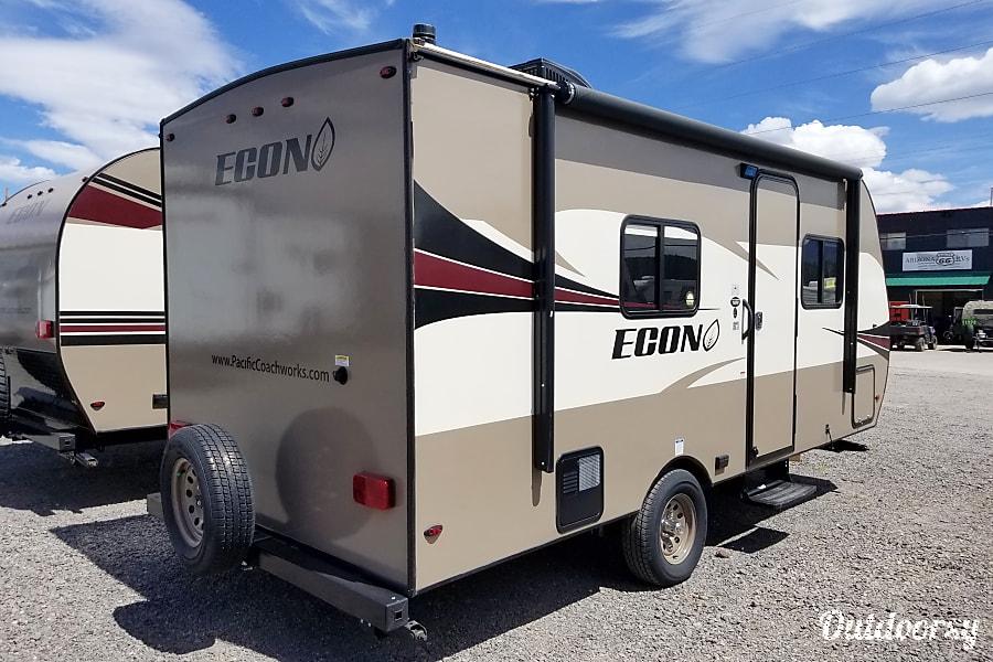 exterior Pacific Coachwork Econ 16RB Bellemont, AZ