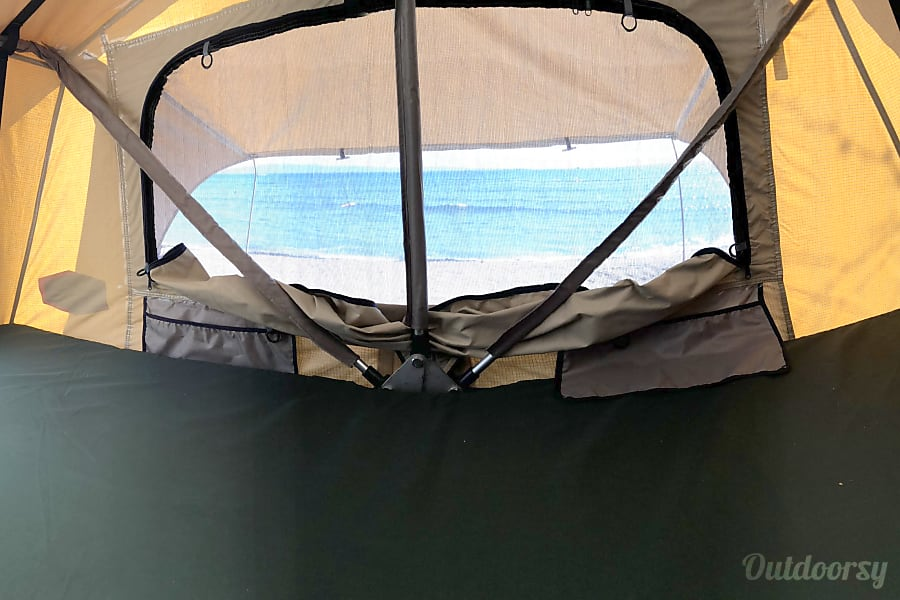 Go ANYWHERE! Triple-locked Toyota Land Cruiser with Tepui RTT roof top tent Kihei, HI