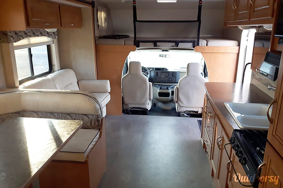 interior 2014 Winnebago Minnie Winnie Levis, QC