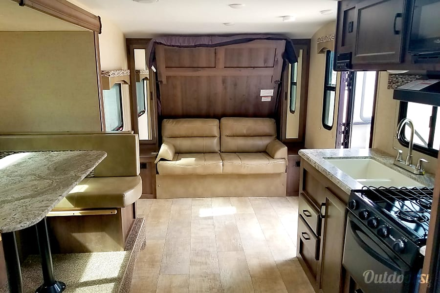 interior KZ Connect 211BH Bunkhouse Bellemont, AZ