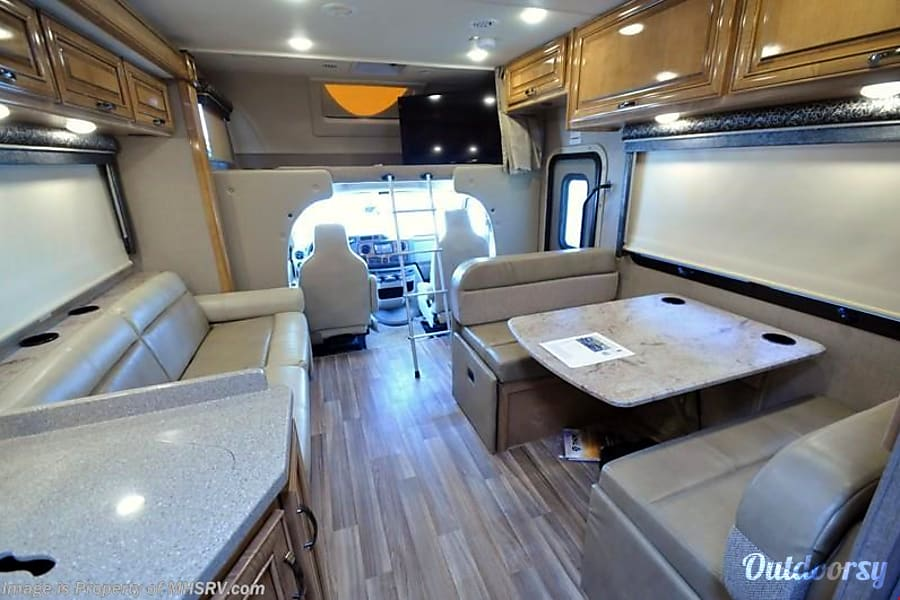 interior 2017 Thor Motor Coach Other Atlanta, GA