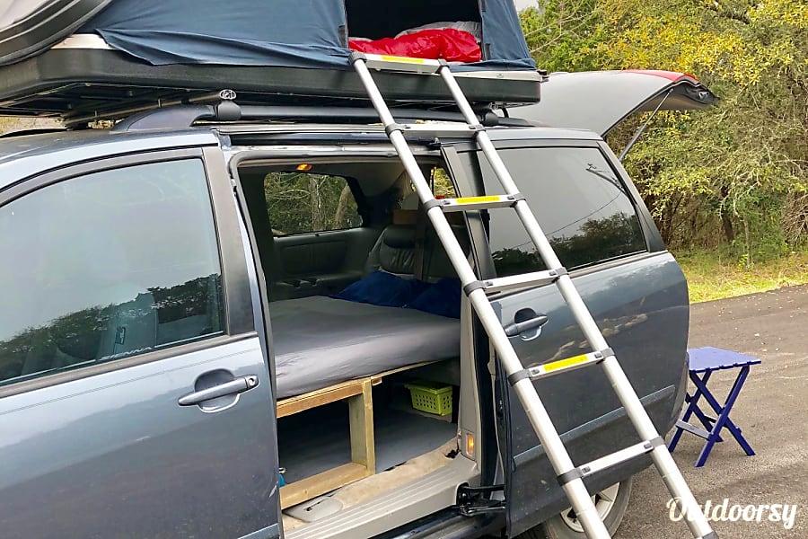 "interior ""JERRY"" Minivan Camper Austin, TX"