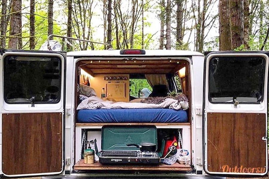 Stan The Campervan - 2003 Dodge Ram 3500 Prince Albert, SK