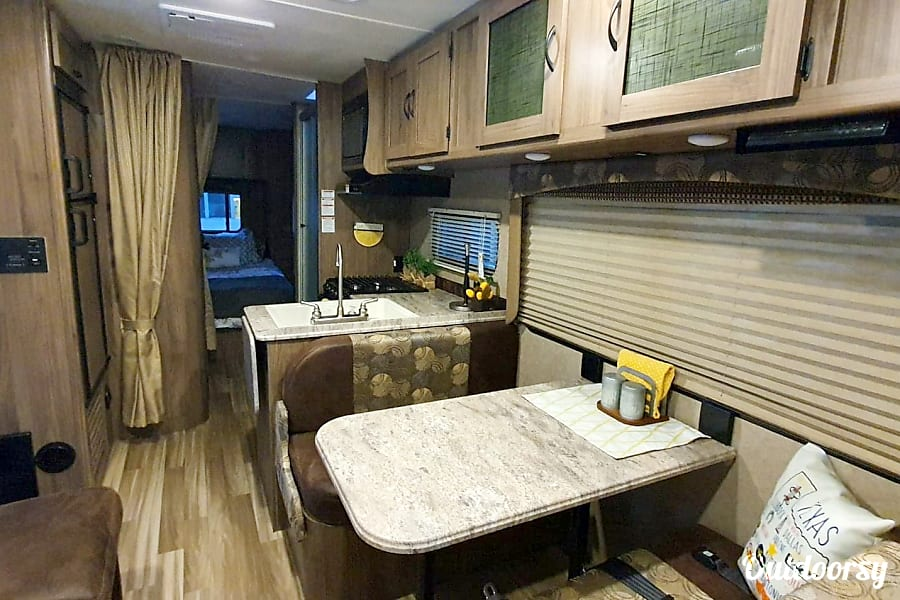 interior 2017 Coachmen Freelander Magnolia, TX