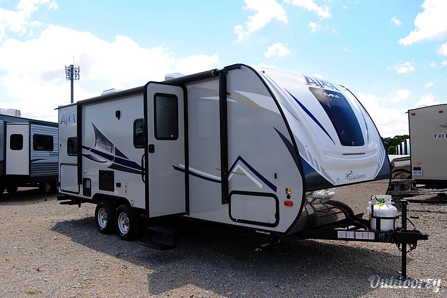 exterior 2019 Coachmen Apex 208 BHS Hamilton, ON