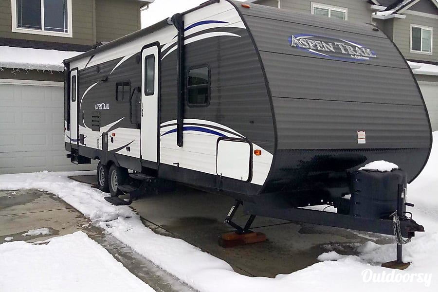 exterior 2017 Keystone Aspen Trail 2810BHS Moses Lake, WA