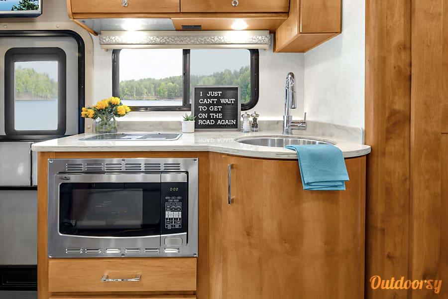 interior 2018 Tiffin Motorhomes Wayfarer Richmond, TX