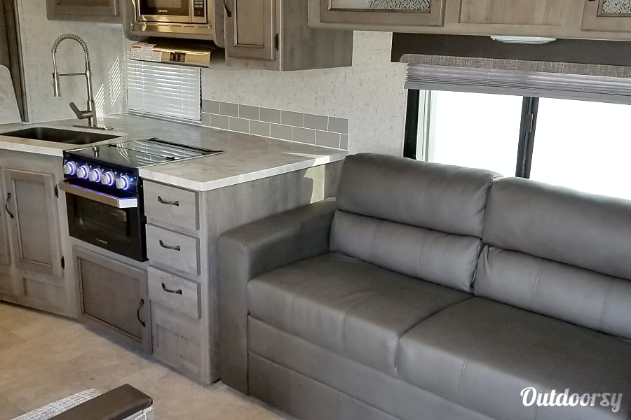 interior 2019 Coachmen Apex Perryville, MD