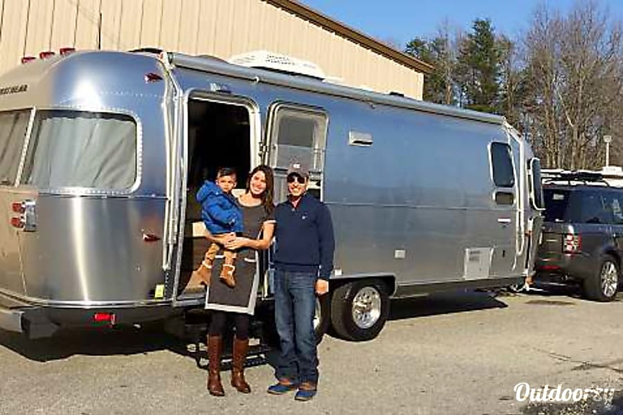 "exterior ""Silver Belle"" 2015 Airstream International 25' FB Savannah, GA"