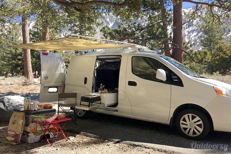 2015 nissan nv200 sv motor home camper van rental in. Black Bedroom Furniture Sets. Home Design Ideas
