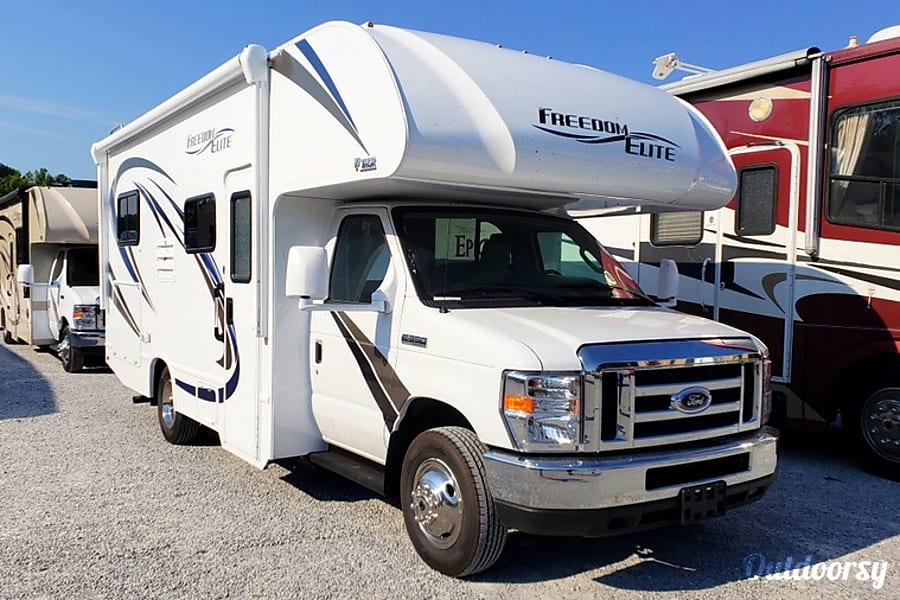 exterior 2019 Thor Motor Coach Freedom Elite Ooltewah, TN