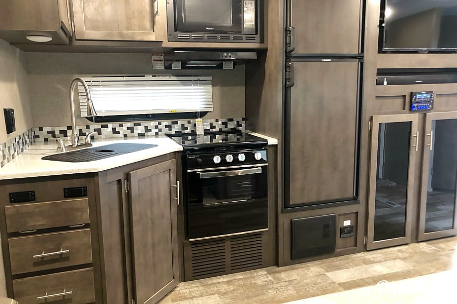 interior 2019 Forest River Rockwood Ultra Lite Greeley, CO