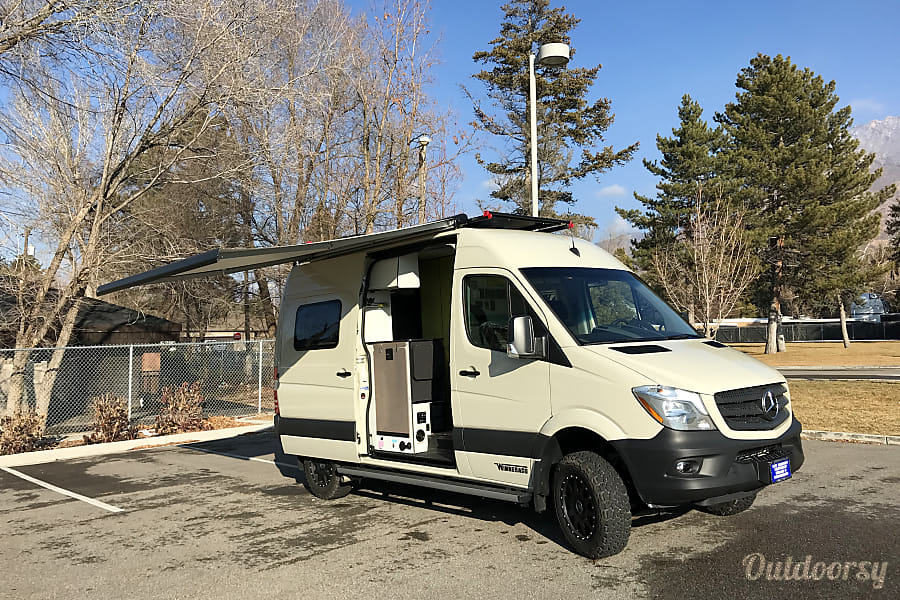 exterior 2018 Winnebago Mercedes HOLLADAY, UT