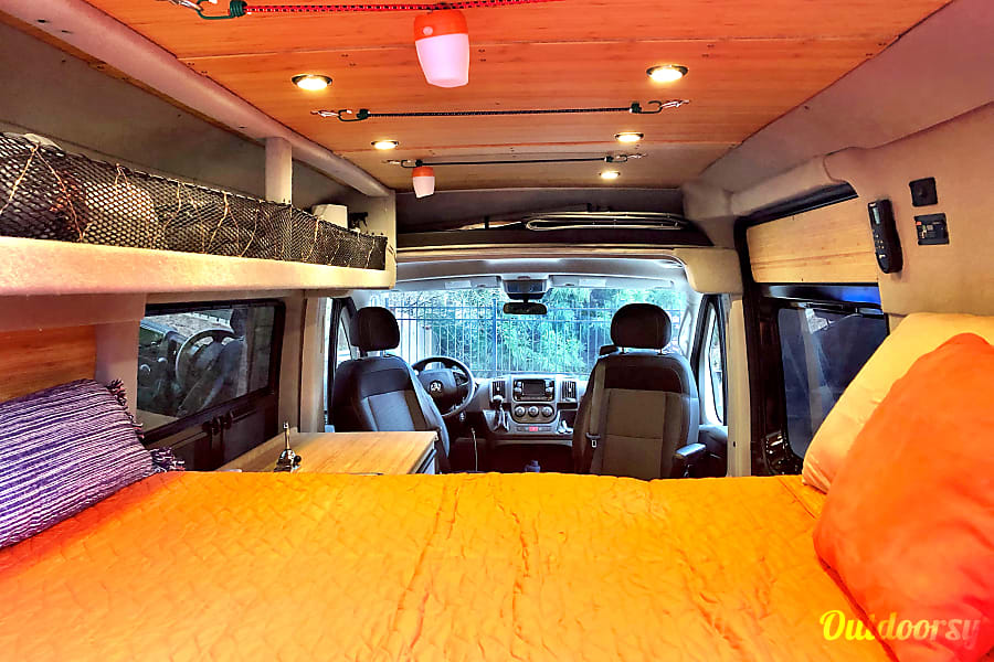 2019 Ram Promaster 1500 Motor Home Camper Van Rental In