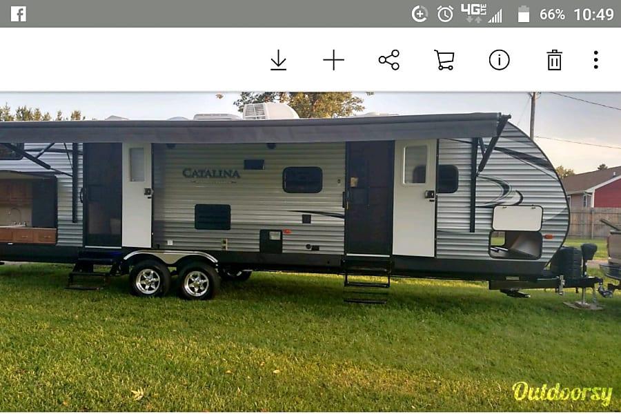 exterior 2017 Coachmen Catalina Grand Blanc, MI