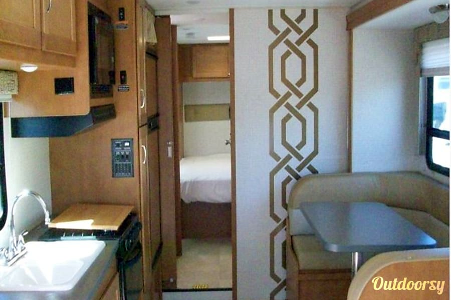interior 2016 Winebago Spirit 32ft Class C Raleigh, NC