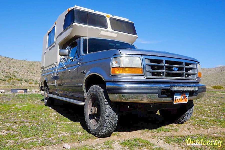 Custom 4x4 Camper!