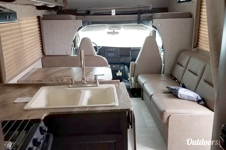 interior 2019 Coachmen Freelander Toledo, OH