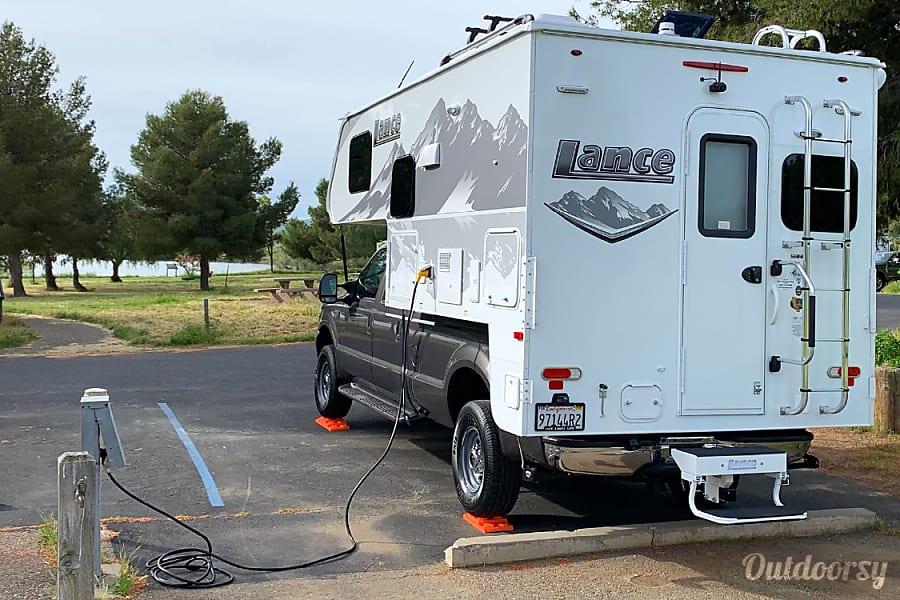 2019 Lance 850 Motor Home Camper Van Rental In San Jose