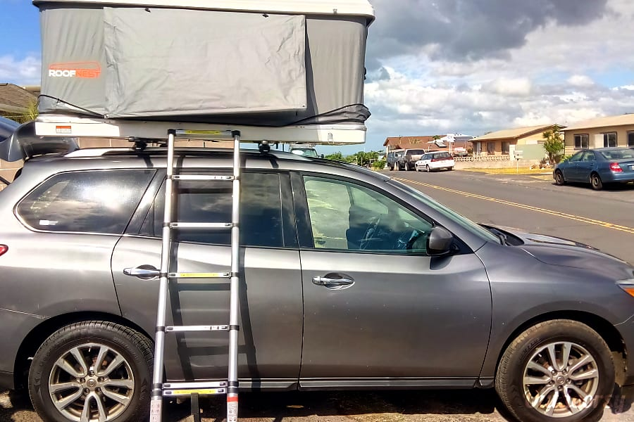 2016 Nissan Pathfinder Gray with Rooftop Tent Kahului, HI