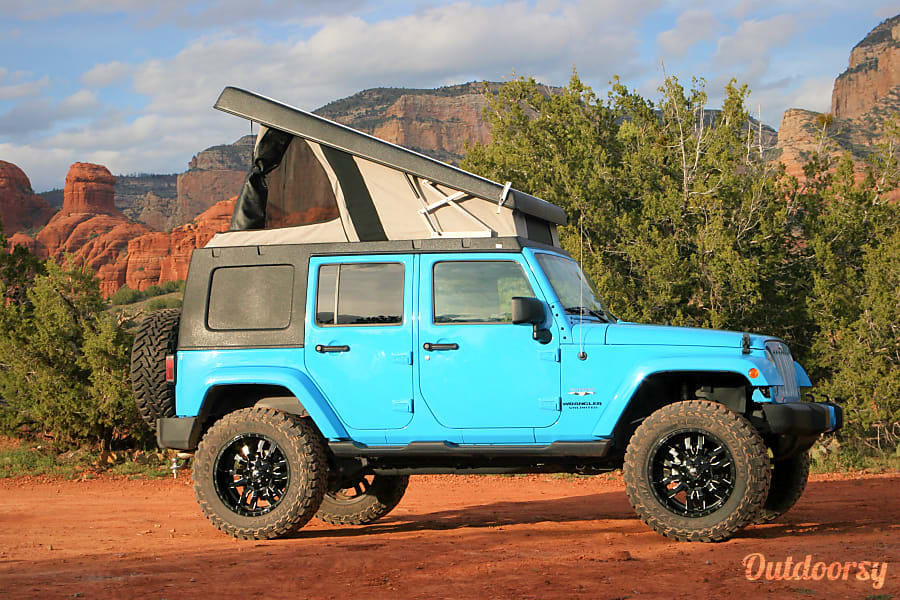 2017 Jeep Wrangler Unlimited Sahara 4x4 with Pop Up Camper