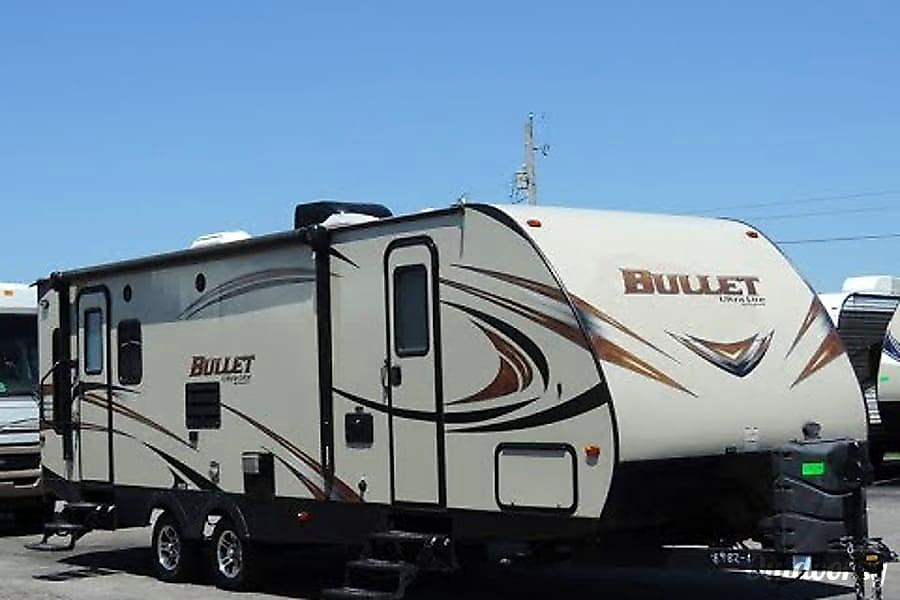 exterior 2016 Keystone Bullet Austin, TX