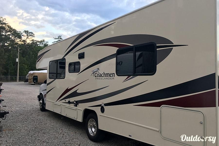 exterior 2019 Coachmen 27QB Freelander Jacksonville, FL