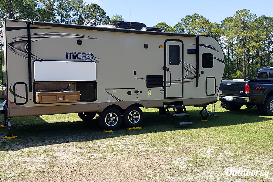 exterior 2018 Flagstaff Micro Lite Pooler, GA