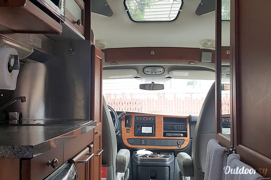 interior 2011 Roadtrek 190 Popular B+ PORTLAND, OR